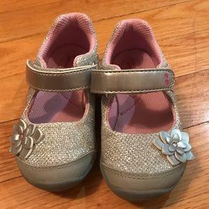 Stride Rite Silver/metallic dress shoes (size 6)